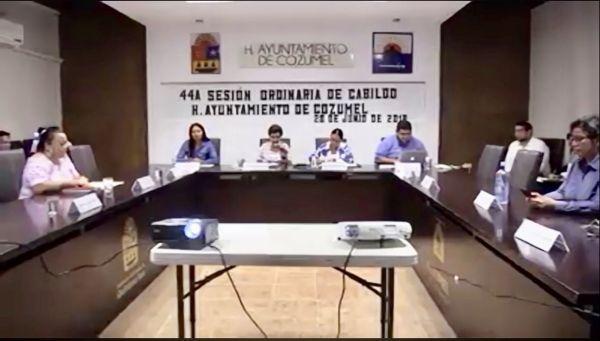 "Le niegan quórum a Perla para sesión de Cabildo; acusa ""complot"""
