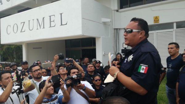 Levantan paro policías de Cozumel