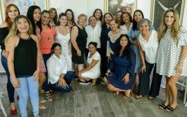 CANACO y mujeres profesionistas reconocen trabajo de Cristina Torres