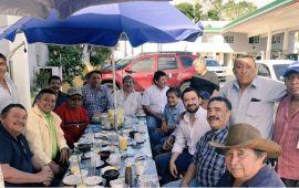 Chanito cumple la liturgia del candidato | De la zona maya a Barrio Maya