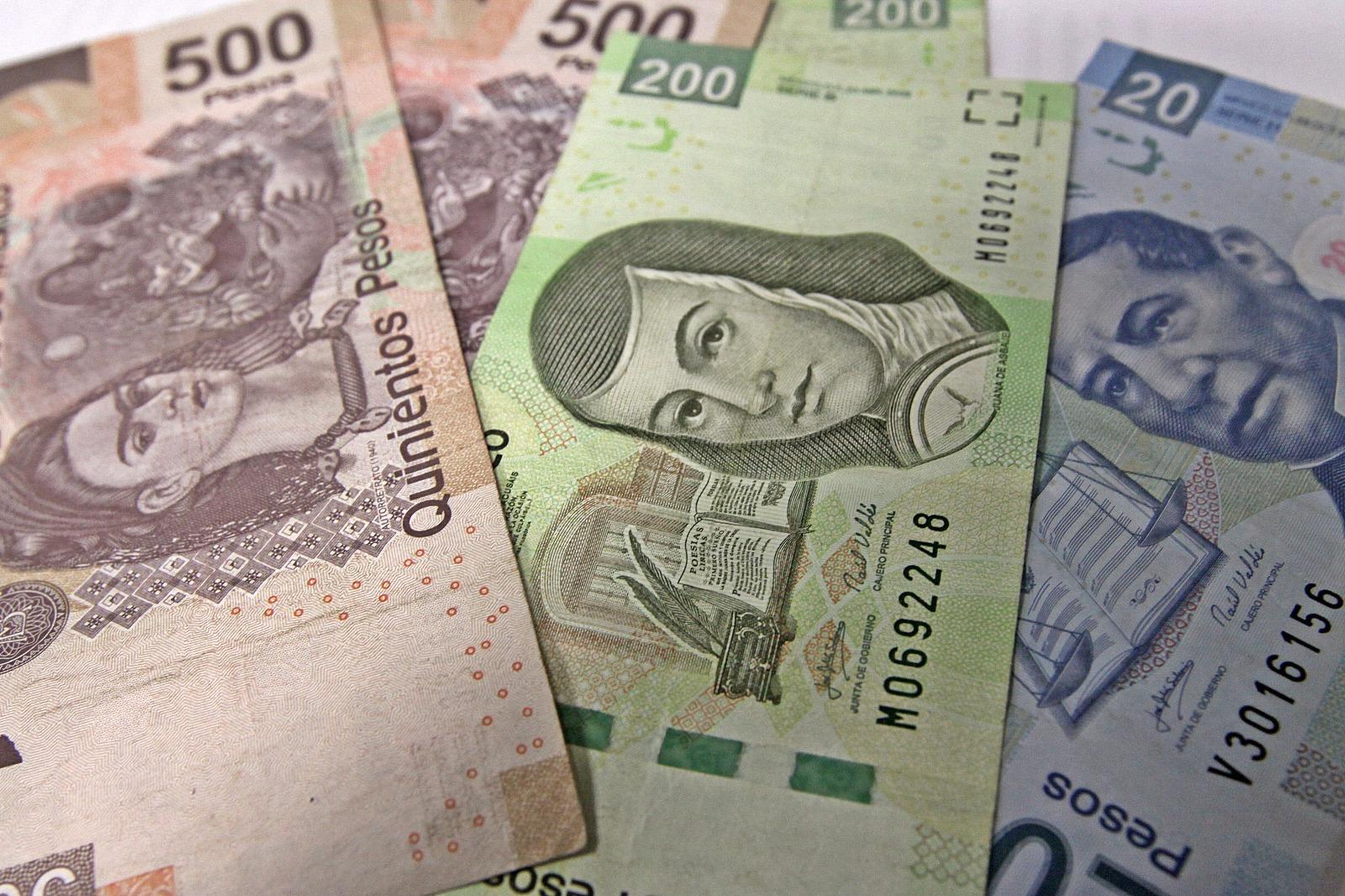 Dólar roza los 19 pesos a la venta