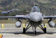 Avion de Combate se le explotó un llanta