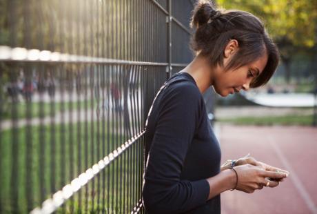 5 Efek Buruk Smartphone Bagi Kesehatan
