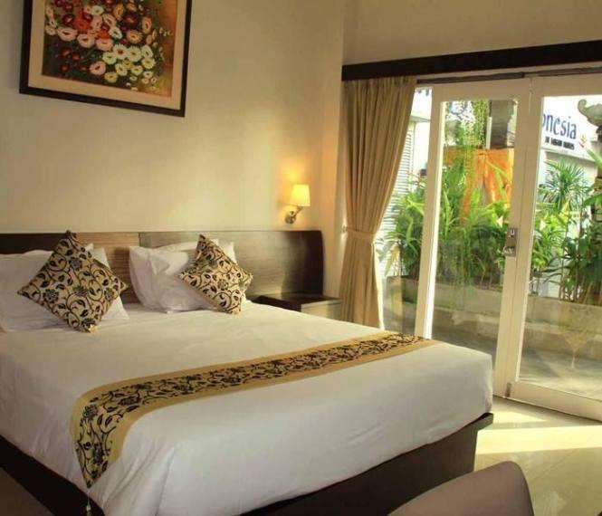 2. Losari Sunset Hotel