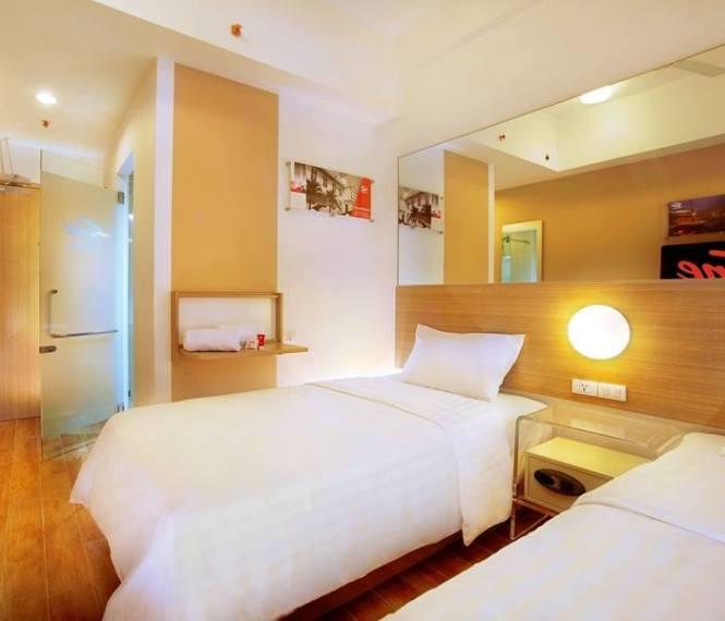 6.Tune Hotel Bali