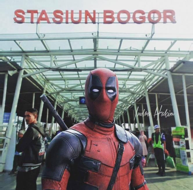 Deadpool ngapain sih di Stasiun Bogor, ngincer siapa coba