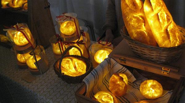 Uniknya Roti Bersinar Bagai Lampu Buatan Seniman Jepang