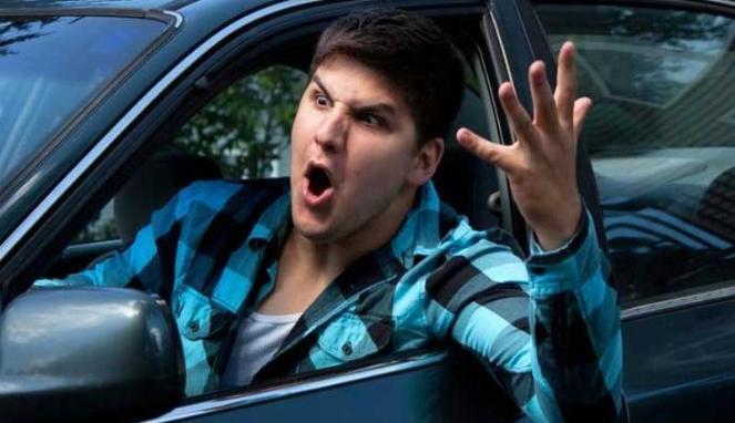 Lakukan 7 Cara Ini Untuk Meredam Emosi Di Perjalanan