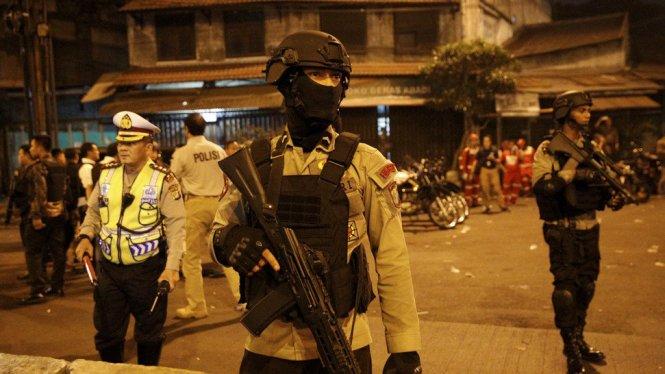 Video Ledakan Bom Kampung Melayu Jakarta!