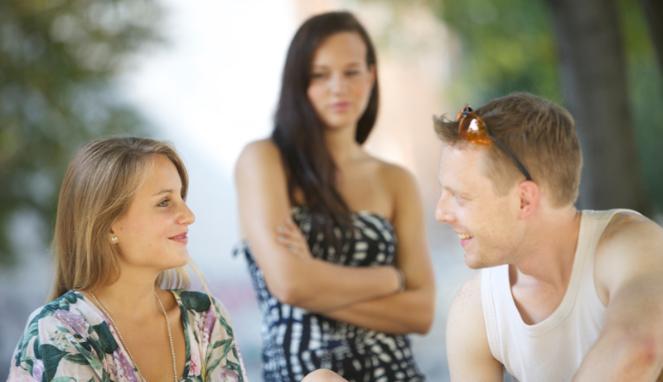 10 Cara Ampuh Mengobati Patah Hati