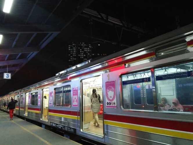 KRL Commuter Line Jakarta Relasi Stasiun Bekasi ↔ Stasiun Jakarta Kota