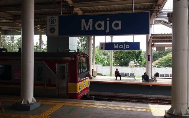 KRL Commuter Line Jakarta Relasi Stasiun Maja/ Stasiun Parung Panjang/ Stasiun Serpong ↔ Stasiun Tanah Abang