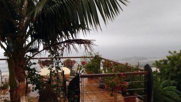 Blitz und Regen