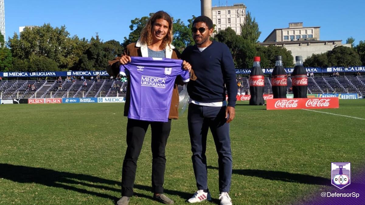 Un homenaje de Defensor Sporting al surfista Julian Schweizer