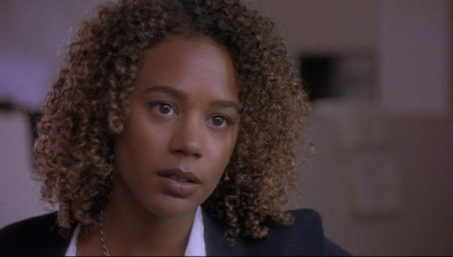 'Jóvenes y brujas': Rachel True denuncia el racismo que sufrió durante el rodaje