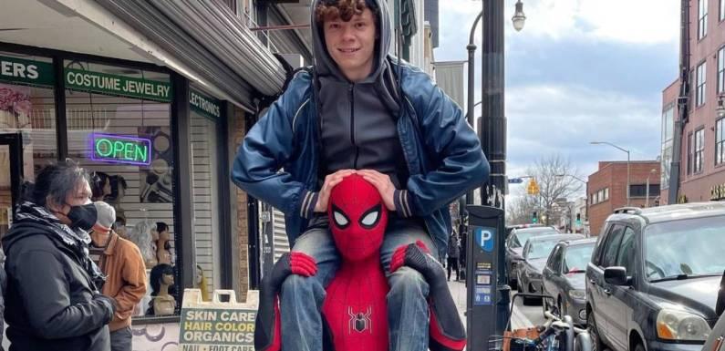 Tom Holland revela cómo su hermano terminó en 'Spider-Man: No way home'