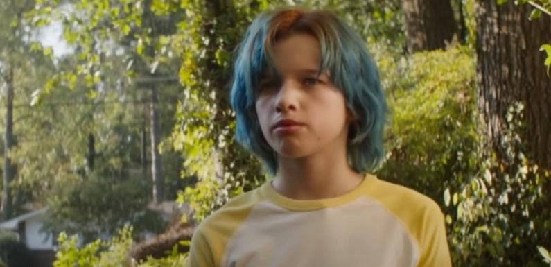 'Viuda Negra': Ever Anderson, la hija de Milla Jovovich, es una joven Natasha Romanoff en el nuevo tráiler