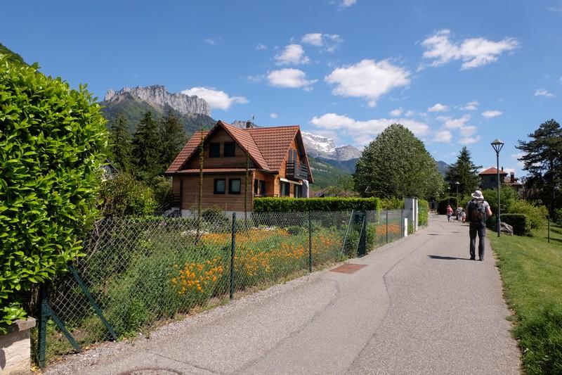 Habitations près du Lac d'Annecy