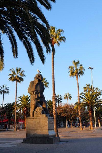 Statue de Joan Salvat Papasseit à Barcelone