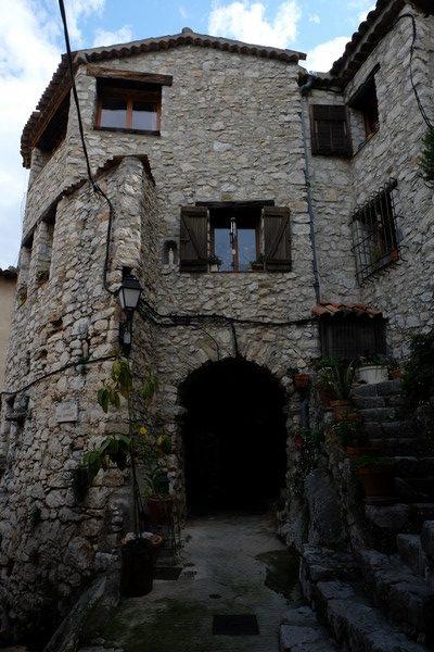 Ruelle du village de Peillon