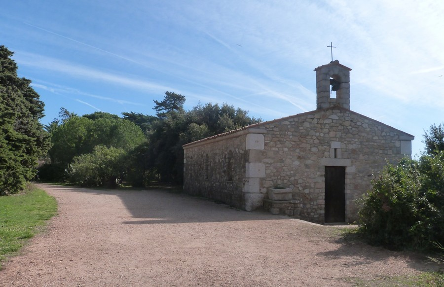 Visiter l'Île Saint-Honorat et la chapelle Saint-Pierre