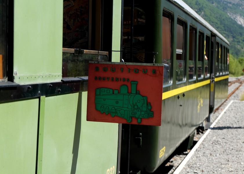 Le train touristique qui part à Digne