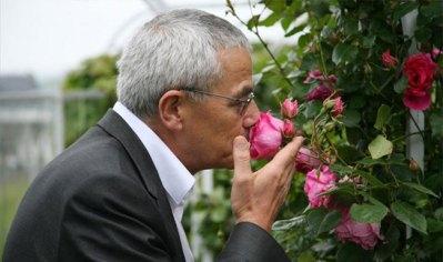 François Demachy à Grasse cherche le pollen exact pour le prochain jus Dior