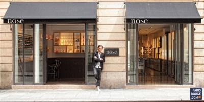 Nicolas Cloutier devant la boutique Nose, parfumerie et concept Store à paris
