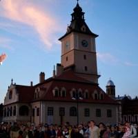 Opera Brașov închide stagiunea 2018 – 2019 cu un spectacol grandios în Piața Sfatului