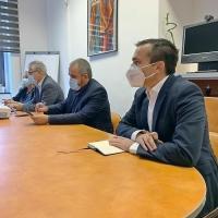 Situația învățământului on-line în scenariul roșu, subiectul primei întâlniri oficiale a noului primar al Brașovului