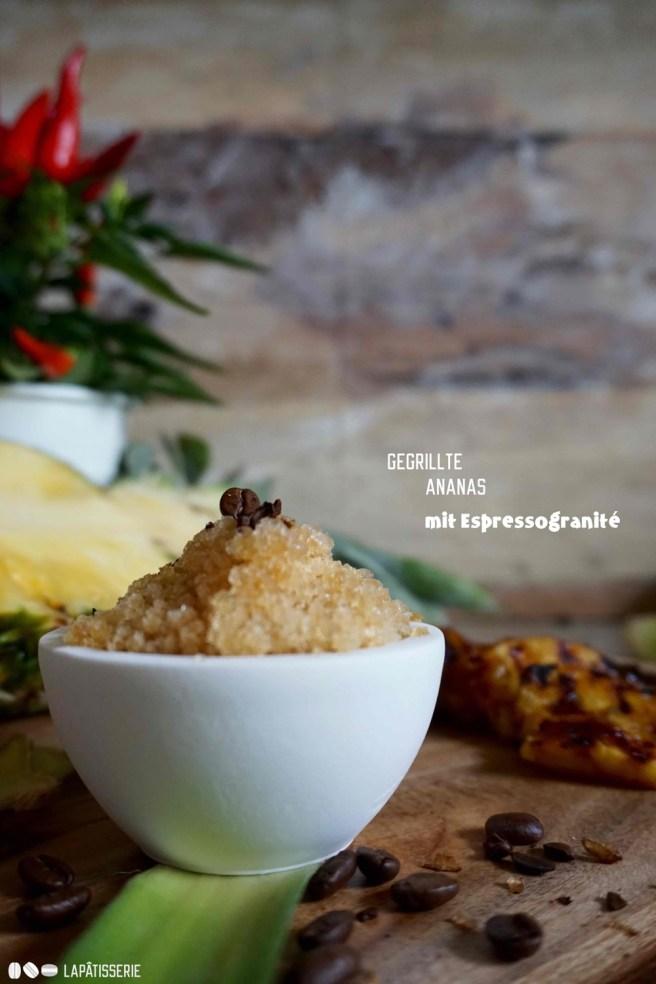 Die Entscheidung viel mir schwer, weil beides so lecker ist: Marinierte Ananas und Espressogranité.