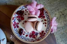 Übrigens sind die floralen Teller von Villeroy & Boch.