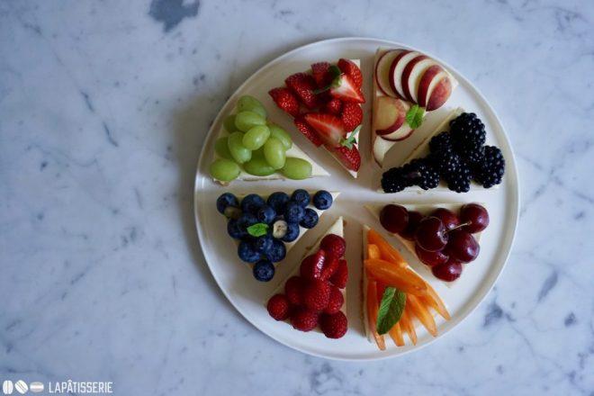 Wer liebt ihn nicht: No-bake Cheesecake? So viel Obst überzeugt auch den letzten Kritiker.