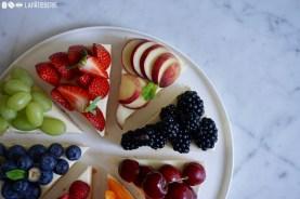 Jeder bekommt das Stück mit seinem liebsten Obst. Dieser Cheesecake ist quasi schon ein Obstkuchen.