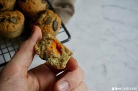 Im Inneren erwartet dich ein Kern aus Hokkaidopüree. Das schmeckt nicht nur super, sondern sieht auch toll aus.