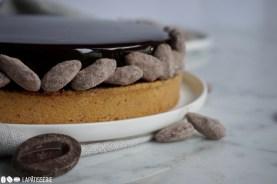 Glänzende Kakaoglasur für einen perfekten Winter. Alles kommt in dieser Tarte zusammen.