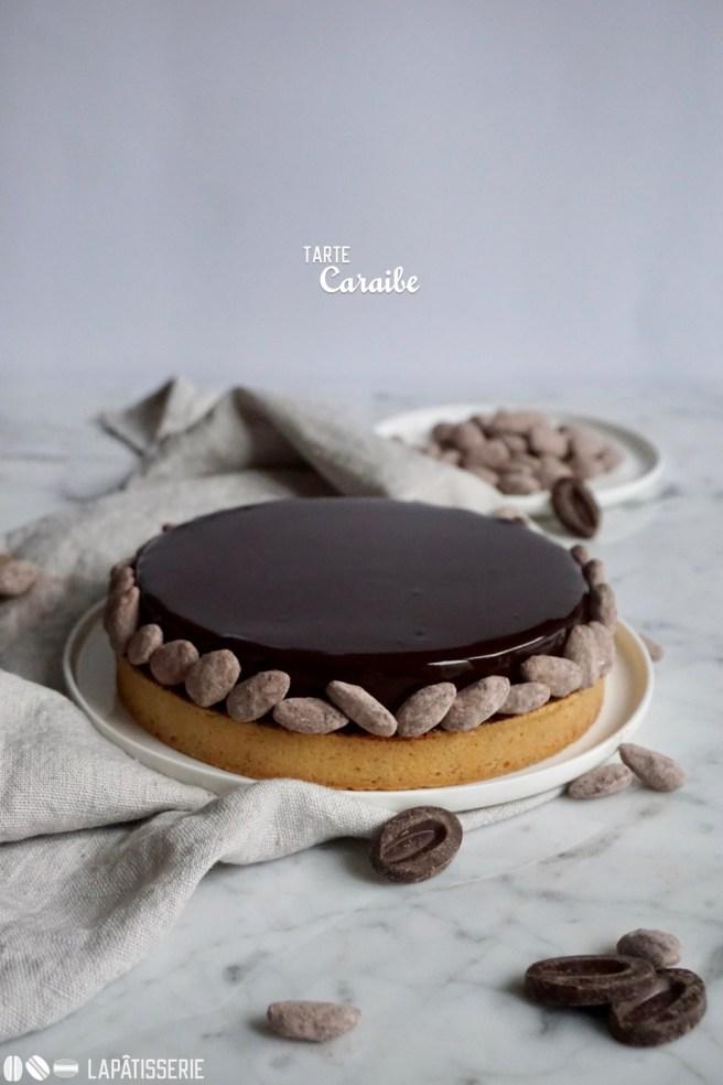 Schokolade geht immer. Im Winter auch als feine Tarte mit Schokoladenkaramell und Mandeln.
