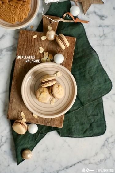 Willkommen in der Weihnachtsbäckerei mit meinen Spekulatius Macarons.