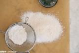 Schritt 5: Mehl & Stärke sieben