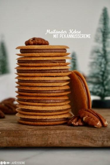 Hauchdünne knusprige Kekse gefüllt mit einer Pekannusscreme, das sind Mailänder Kekse für die Adventszeit.