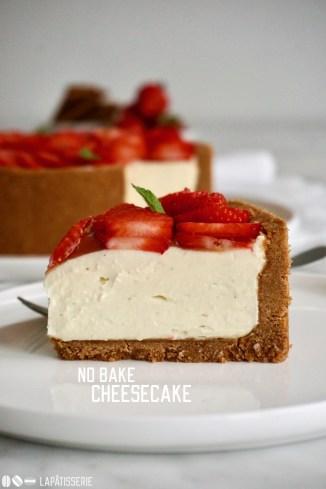 Sommerlicher Cheesecake ganz ohne backen und super cremig - perfekt als Dessert bei heißen Temperaturen!