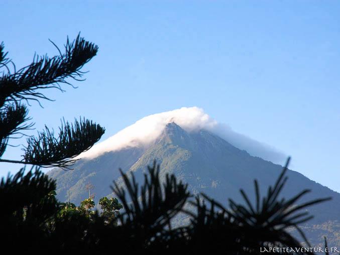 volcan indonésien