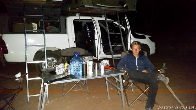 voiture dans le nord du botswana