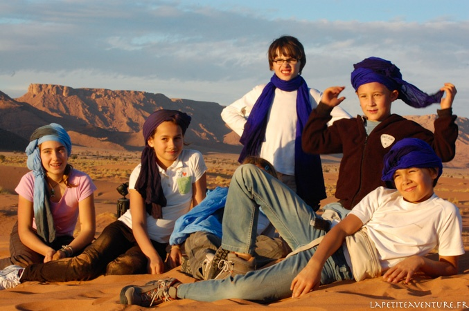 enfants du désert au Maroc