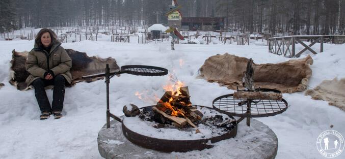 Dîner au feu en Laponie suédoise