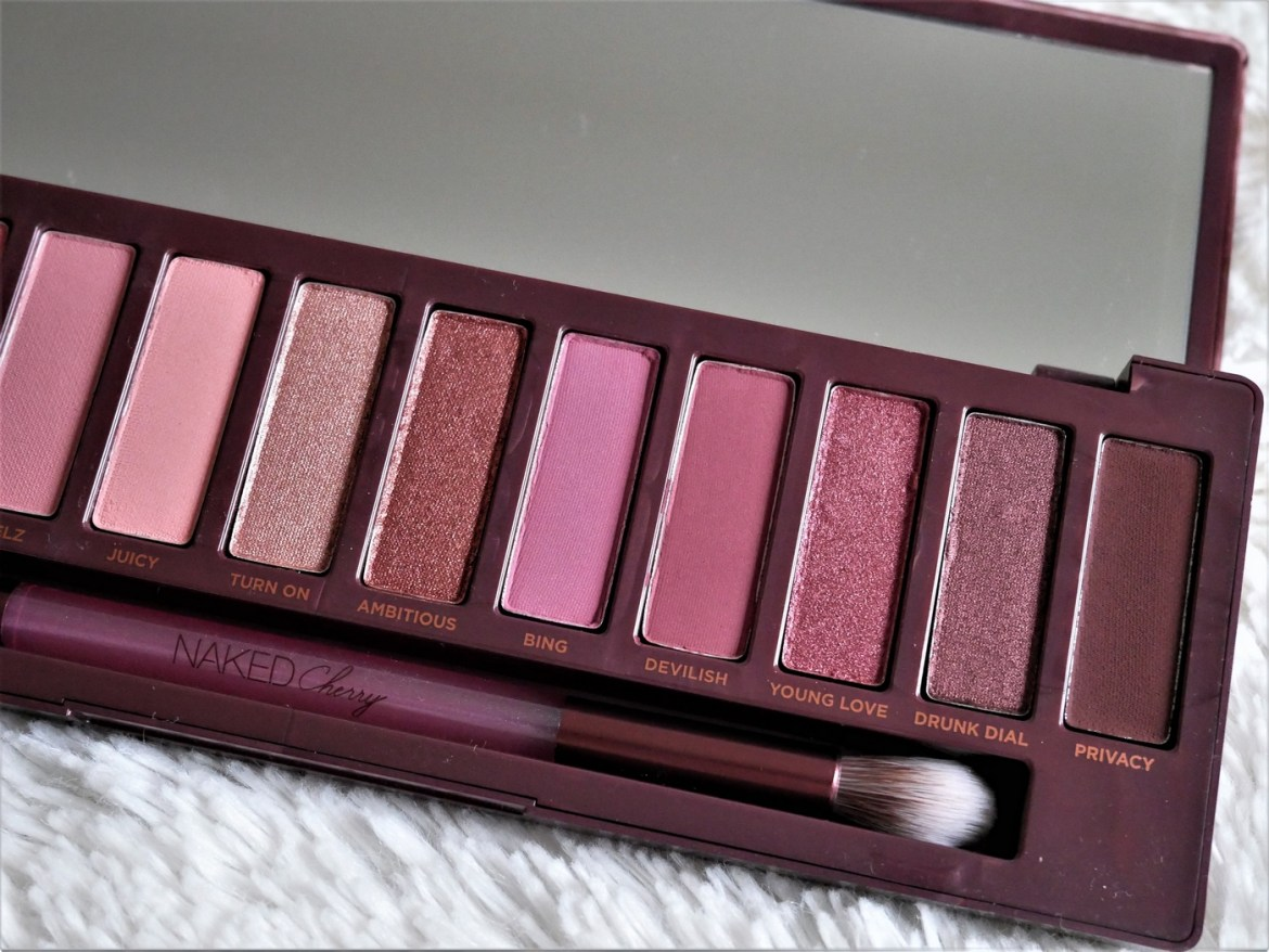 Revue palette Naked Cherry Urban Decay - La Petite Frenchie