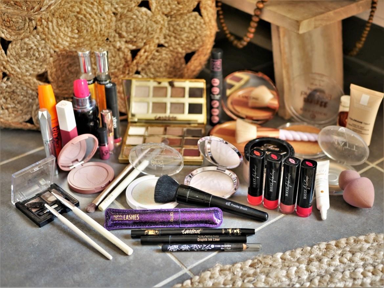 Ma trousse à maquillage pour les vacances - La Petite Frenchie