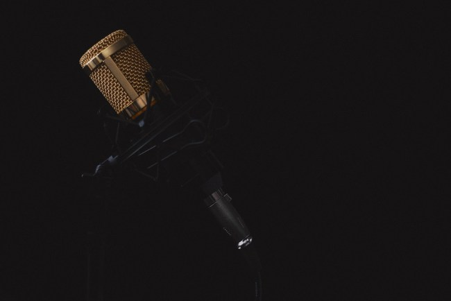 microphone-2130806_960_720
