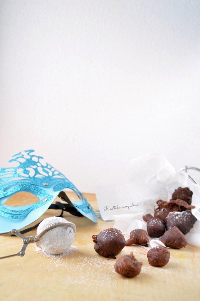 Bignole al cacao con le pere