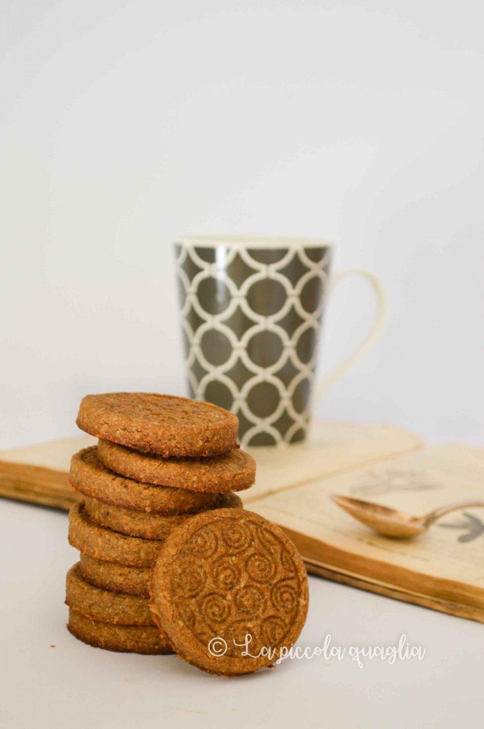 biscotti con farina di ceci e cannella